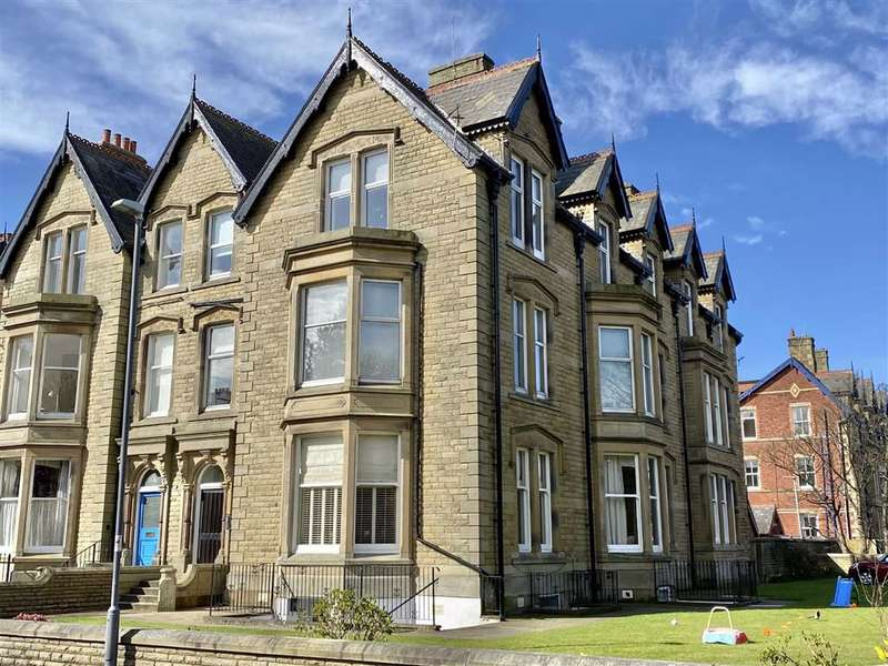 1 Bedroom Apartment Flat for sale in St Georges Square, St.Annes On Sea