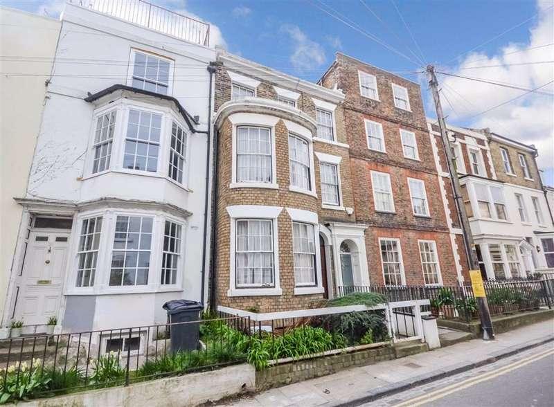 5 Bedrooms Terraced House for sale in Effingham Street, Ramsgate, Kent