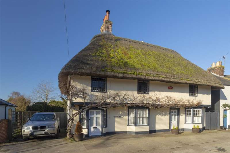 4 Bedrooms Detached House for sale in The Old Ship, High Street, Wingham