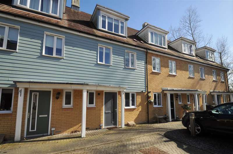 3 Bedrooms Terraced House for sale in RODERIC KALBERER PLACE, REPTON PARK, ASHFORD, KENT, TN23 3FP
