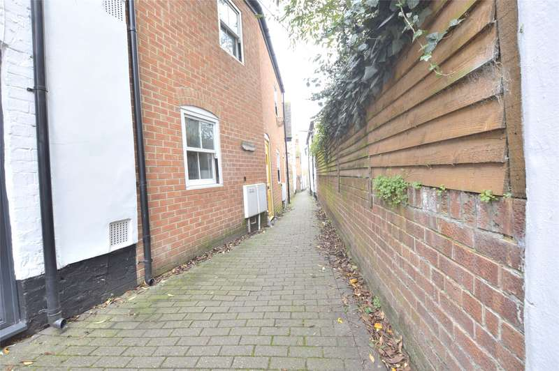 2 Bedrooms Terraced House for sale in Fletchers Alley, Tewkesbury, Gloucestershire, GL20