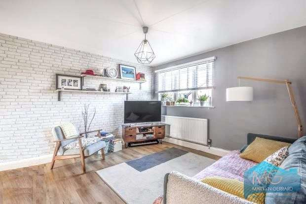 1 Bedroom Maisonette Flat for sale in Sellwood Drive, Barnet, Hertfordshire, EN5