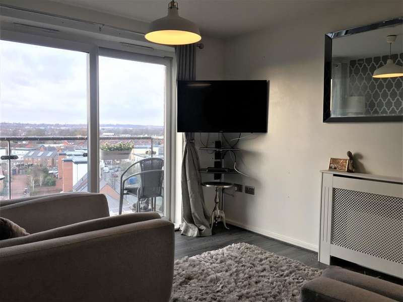 2 Bedrooms Flat for sale in Broughton Lane, Salford, M7 1UZ