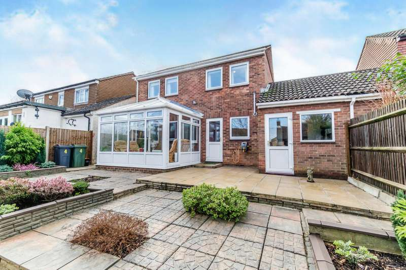 3 Bedrooms Detached House for sale in Goldstone Walk, Chatham, Kent, ME5