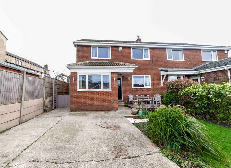 4 Bedrooms Semi Detached House for sale in Brellafield Drive, High Crompton, Shaw, OL2 7PS