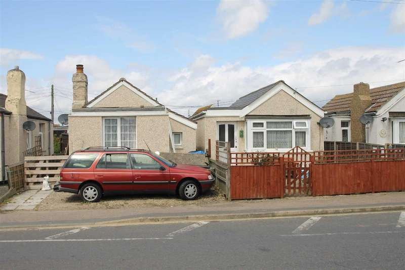 1 Bedroom Detached Bungalow for sale in Meadow Way, Jaywick