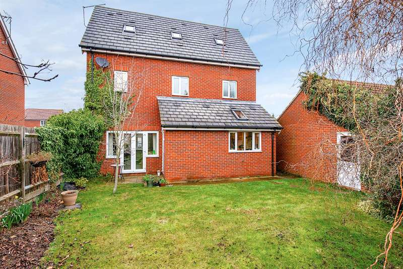 4 Bedrooms Detached House for sale in Honesty Close, Sittingbourne