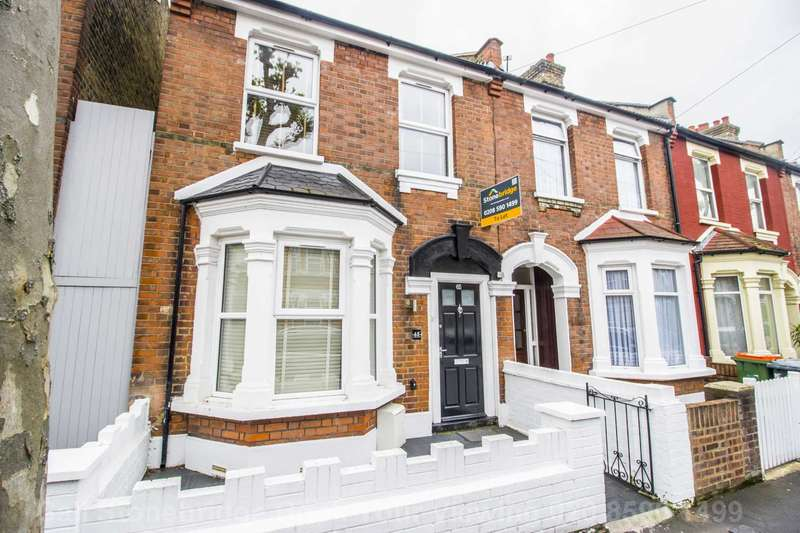 3 Bedrooms End Of Terrace House for rent in Caledon Road, East Ham, E6
