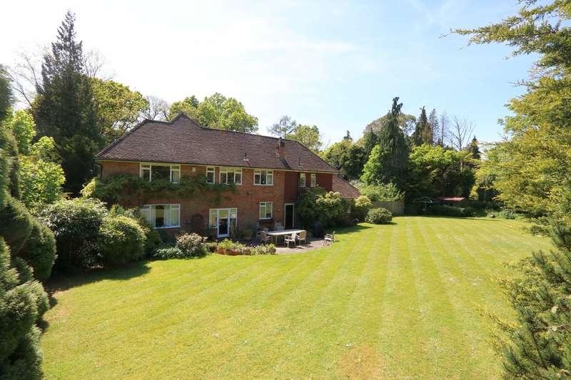 4 Bedrooms Detached House for sale in Priorsfield Road, Hurtmore, Godalming, Surrey, GU7