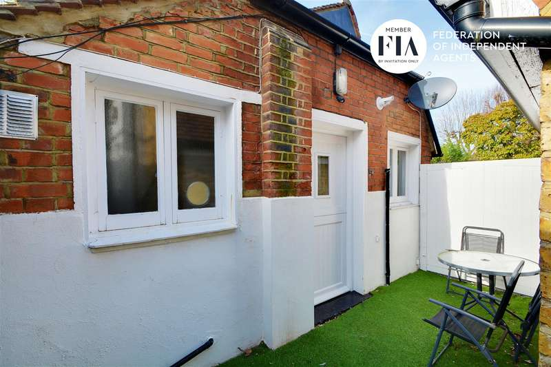 2 Bedrooms Cottage House for sale in The Avenue, Chiswick