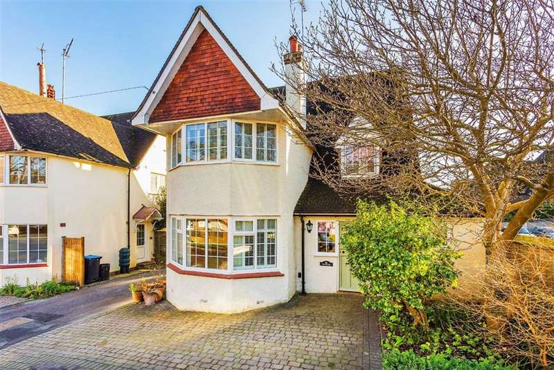 5 Bedrooms Detached House for sale in Beatrice Road, Oxted, Surrey