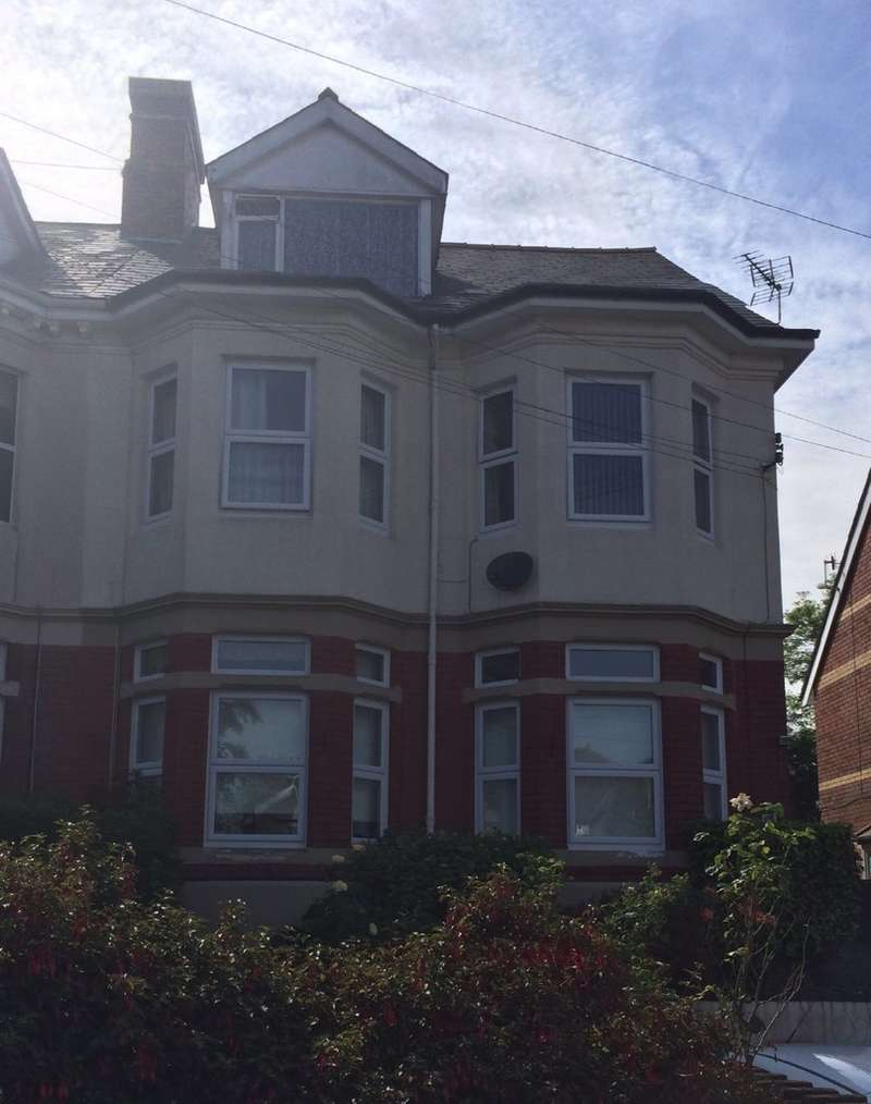 Property for rent in Room 6, 15 Brynhyfryd Rd NP20