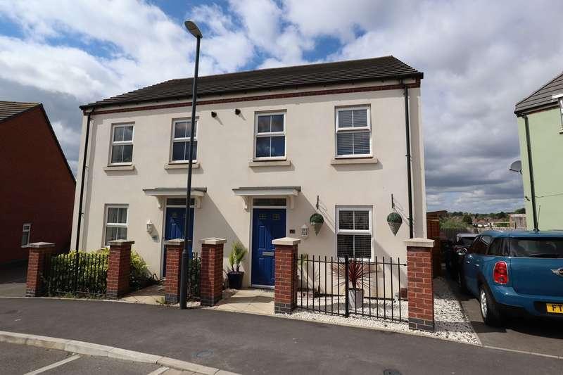 3 Bedrooms Semi Detached House for sale in Long Kiln Road, Nuneaton, CV10