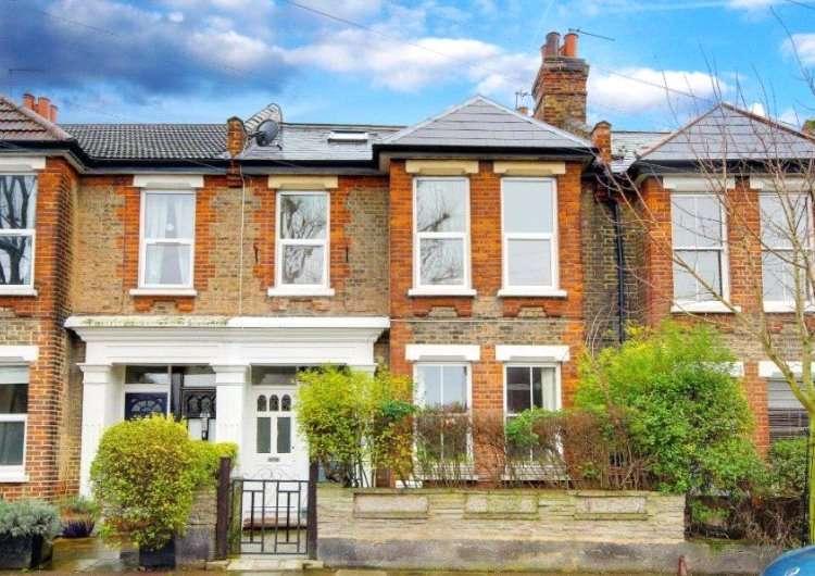 3 Bedrooms Maisonette Flat for sale in Geldeston Road, London, E5