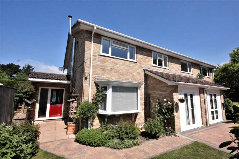 4 Bedrooms Semi Detached House for sale in Grange Close, Everton, Hampshire, SO41