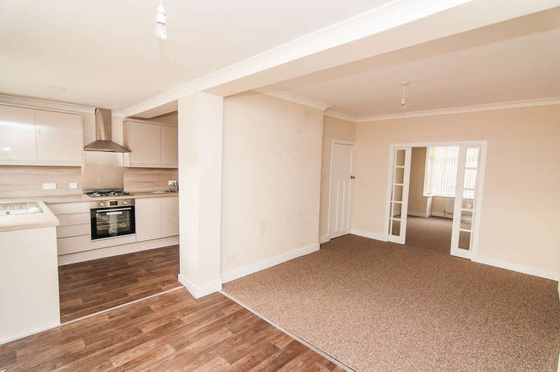 3 Bedrooms Detached House for sale in Finch Road, Balby