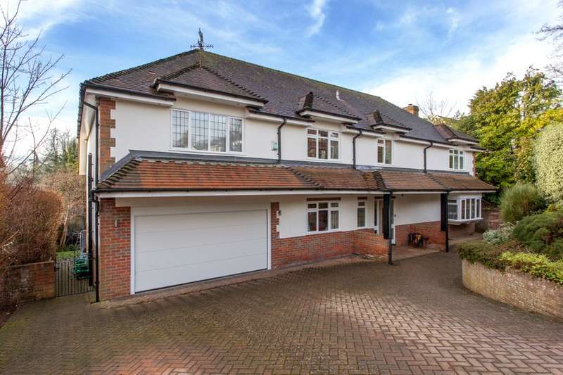 5 Bedrooms Detached House for sale in Highfield Park, Marlow, Buckinghamshire, SL7