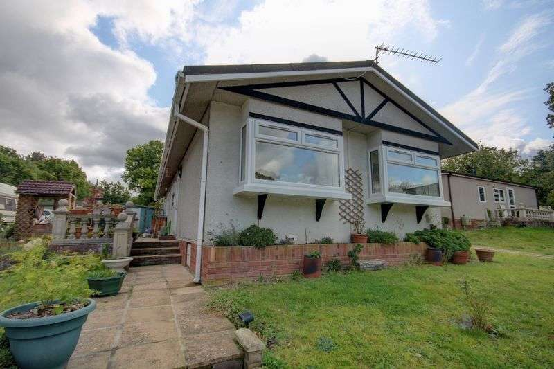 3 Bedrooms Property for sale in Stonehill Woods Park, Old London Road Sidcup DA14 5AS