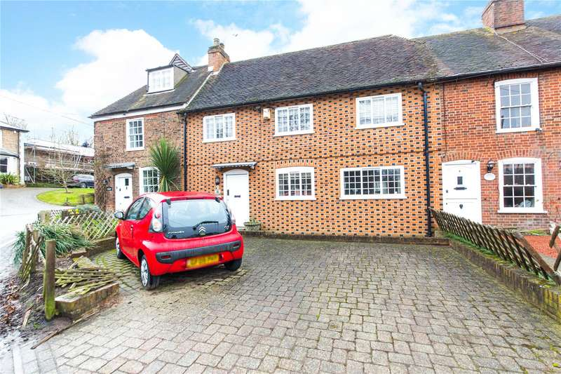 3 Bedrooms Terraced House for sale in Homewood Cottages, Tanyard Hill, Shorne, Gravesend, DA12