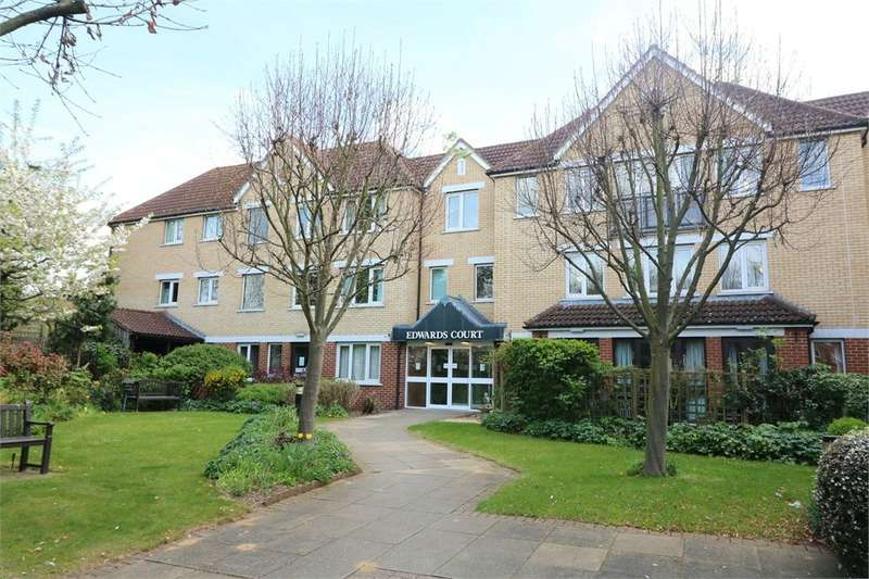 1 Bedroom Retirement Property for sale in Turners Hill, Waltham Cross, Hertfordshire