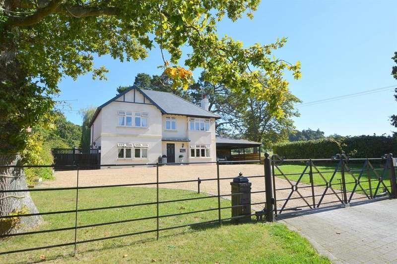 4 Bedrooms Detached House for sale in Broadmoor Road, Corfe Mullen