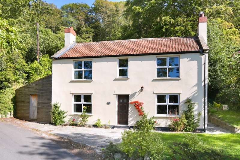 2 Bedrooms Cottage House for sale in Newtown, Westbury