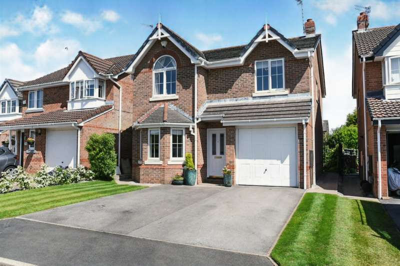 4 Bedrooms Detached House for sale in Wood Top Close, Stockport, Greater Manchester, SK2