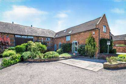 3 Bedrooms Barn Conversion Character Property for sale in Aston Cantlow, Henley-In-Arden, Warwickshire