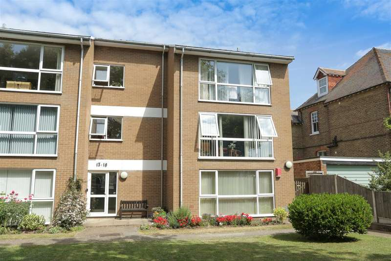 2 Bedrooms Apartment Flat for sale in Alpha Road, Birchington