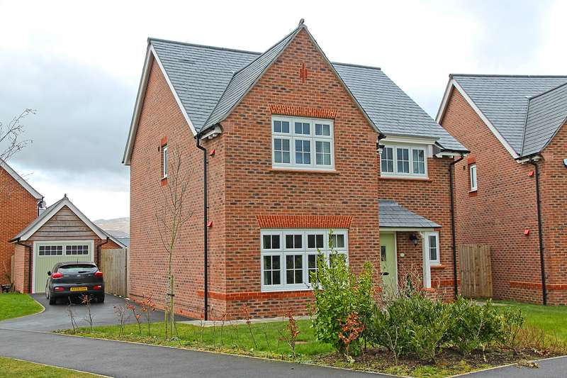 4 Bedrooms Detached House for sale in Lon Y Wyddfa, Penrhosgarnedd, Bangor, LL57