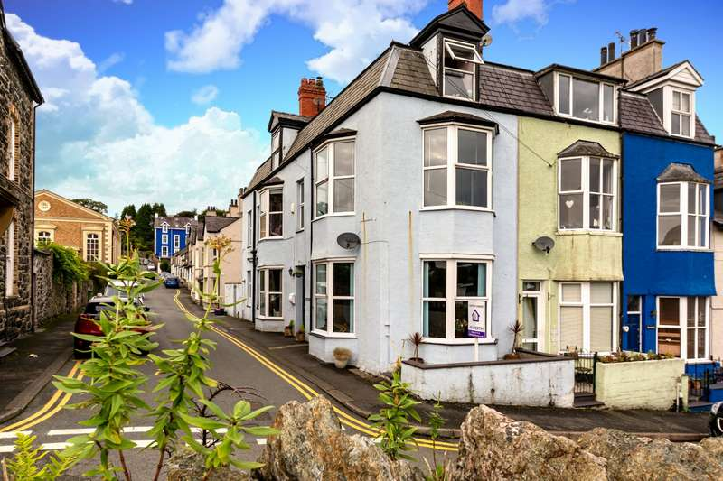5 Bedrooms Semi Detached House for sale in Chapel Street, Menai Bridge, Anglesey, LL59