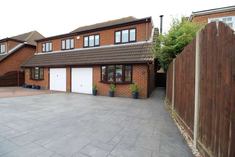 3 Bedrooms Semi Detached House for sale in Hillcrest Gardens, Deal, Kent, CT14
