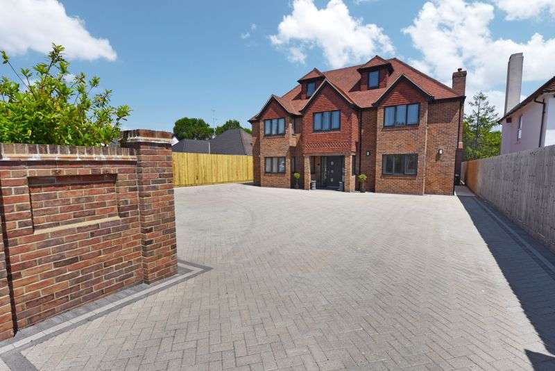 6 Bedrooms Property for sale in Hulbert Road, Bedhampton