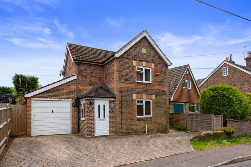 3 Bedrooms Detached House for sale in Sandy Lane, Crawley Down, Crawley