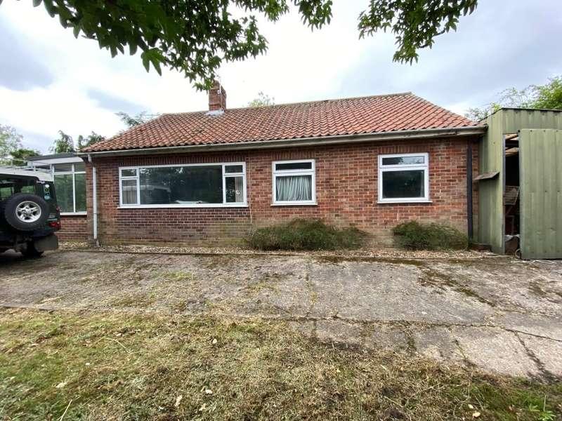 4 Bedrooms Bungalow for sale in 7 Bears Lane, Hingham, Norwich, Norfolk