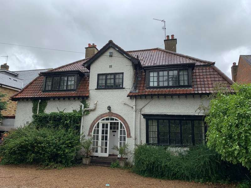 4 Bedrooms Detached House for rent in Packhorse Road