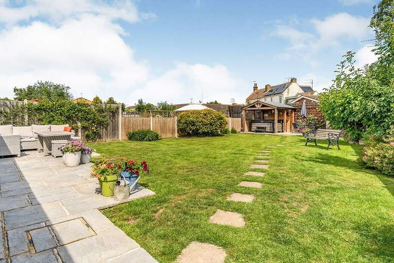 4 Bedrooms Semi Detached Bungalow for sale in Minster Road, Minster On Sea, Sheerness, ME12