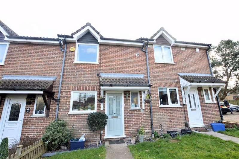 3 Bedrooms Terraced House for sale in Beaufort Close, North Weald