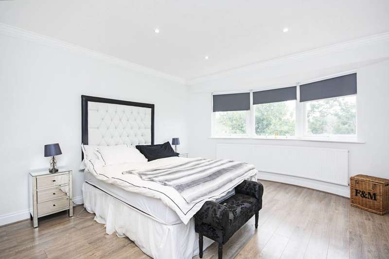 6 Bedrooms Detached House for sale in Dorchester Gardens, Hampstead Garden Suburb, NW11