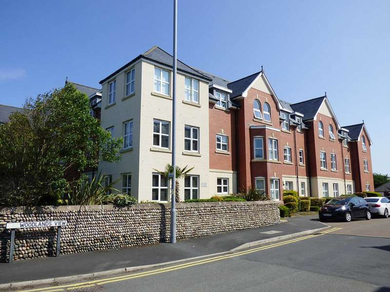2 Bedrooms Apartment Flat for sale in Woodlands View, Ansdell