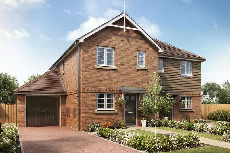 3 Bedrooms Semi Detached House for sale in Shelvers Way, Tadworth