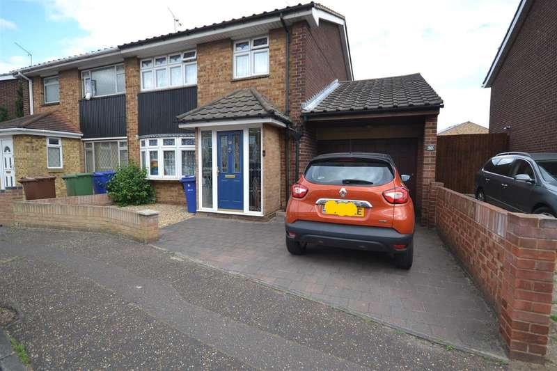 3 Bedrooms Semi Detached House for sale in Godman Road, Chadwell St Mary