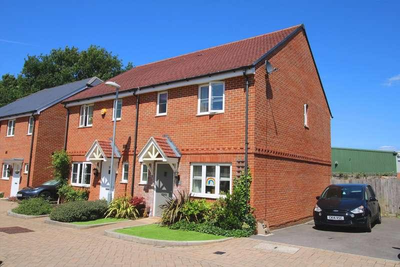 3 Bedrooms House for sale in Redstart Croft, Jennett's Park