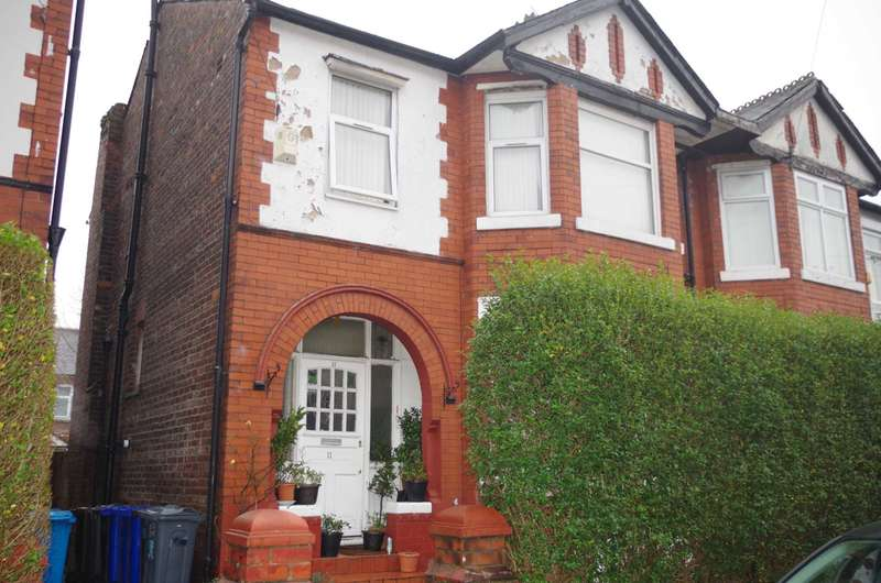 3 Bedrooms Semi Detached House for sale in Sunnybank Road, Manchester