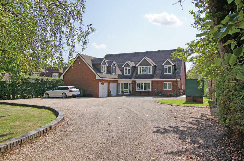 6 Bedrooms Detached House for sale in Stonehouse Lane, Alvechurch, B48 7BA