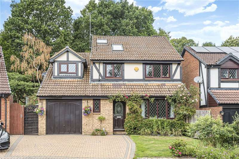 4 Bedrooms Detached House for sale in Waggoners Hollow, Bagshot, Surrey, GU19