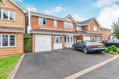 4 Bedrooms Detached House for sale in Sherlock Close, Willenhall, West Midlands