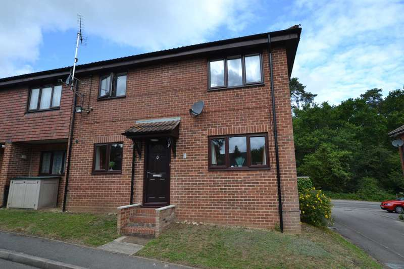 1 Bedroom Maisonette Flat for sale in Two Ways Court, Petersfield Road, Whitehill, Hampshire, GU35