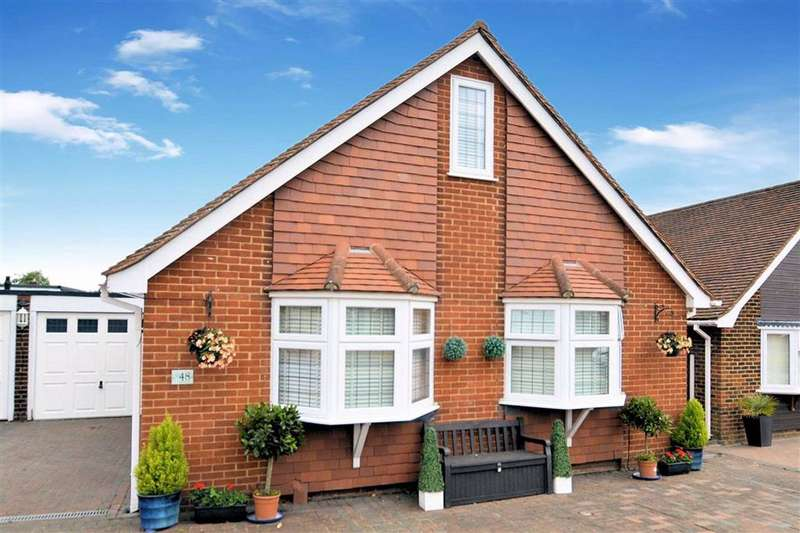 4 Bedrooms Detached House for rent in The Orchards, Epping