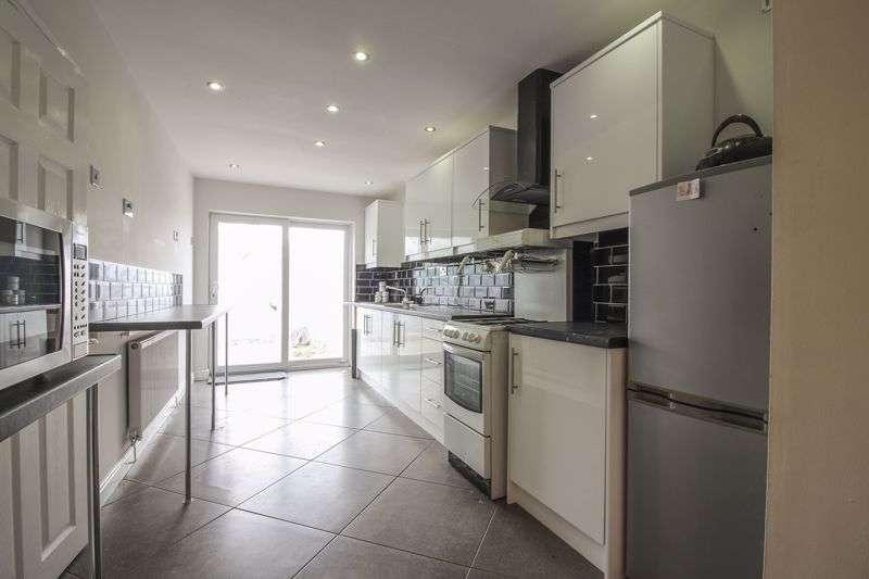 3 Bedrooms Property for sale in Rectory Road Crumlin, Newport